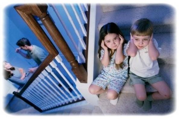 Risultati immagini per genitori che litigano