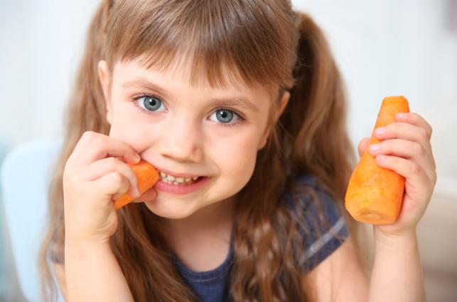 Sgranocchiare una carota aiuta a vivere meglio