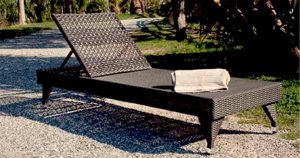 lettino per prendere il sole in giardino - Lettini Prendisole Per Esterno