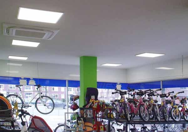Illuminazione per negozi: guida a come sceglierla
