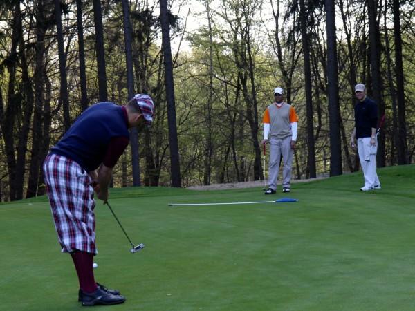 come calcolare l'angolo di lancio nel golf
