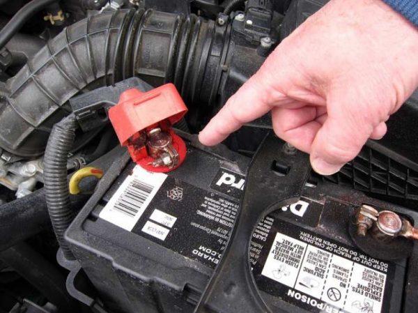perchè batteria dell'auto si scarica