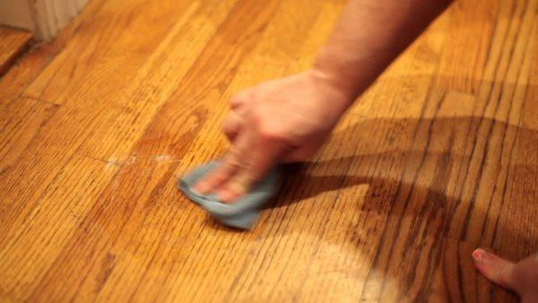 Come si fa a pulire il parquet?