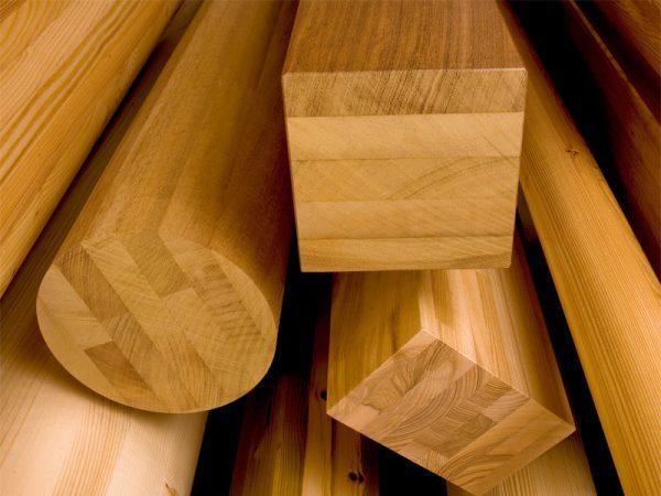 Colle delle case prefabbricate in legno